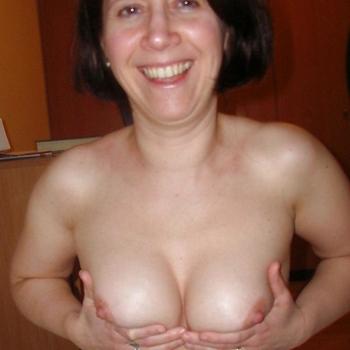 Nummertje maken met 45-jarig moedertje uit Noord-Brabant