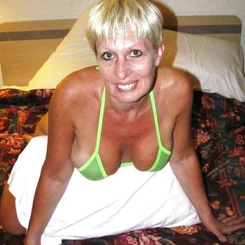 Gratis sexdate met deze 55-jarig omaatje uit Drenthe