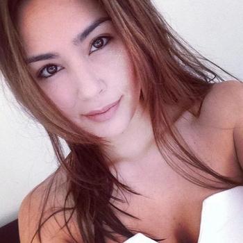 Geil neuken met een  33-jarig dametje uit Noord-Holland