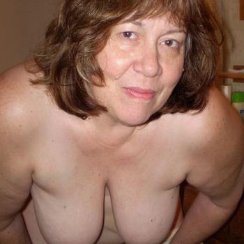 Lekkere sex met een 55-jarig omaatje uit Overijssel