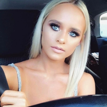 Eenmalige neuken met een 18-jarig meisje uit Noord-Holland