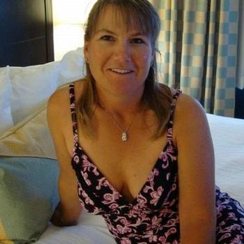 Een keertje neuken met 46-jarig moedertje uit Zuid-Holland