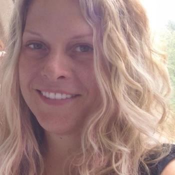 Geil neuken met een  46-jarig moedertje uit Gelderland